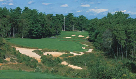 Eighteenth hole, Pine Valley: many bunkers, no rakes.